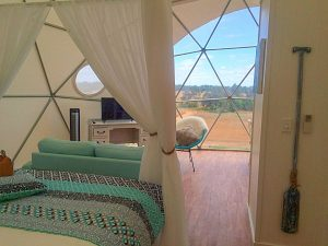 glamping-dome-interior1