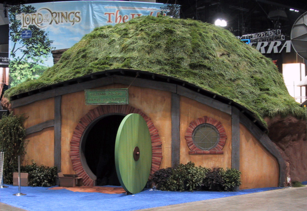 Electronic Entertainment Expo featured Pacific Domes 20′ geodesic dome for Lord of the Rings exhibit