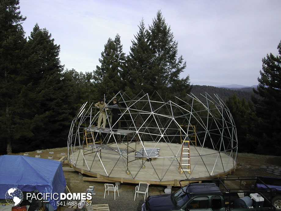 Dome construction - Pacific Domes