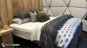 Bedroom in Glamping Dome - Alaskan Safari